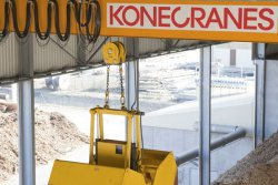 Konecranes CXT Biomass is a fully automated crane for handling different kinds of biomass in a continuous process in demanding surroundings. © Konecranes (photo: Industrial News Service)