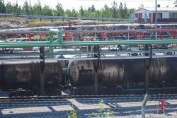 The rail yard at Neste Oil's refinery in Porvoo handles 20,000 tank wagons a year. It has the capacity to enlarge its operations, but Neste Jacobs' modelling tool clearly showed that not all crude is suited to rail transport. ©Neste Jacobs  (photo: Industrial News Service)