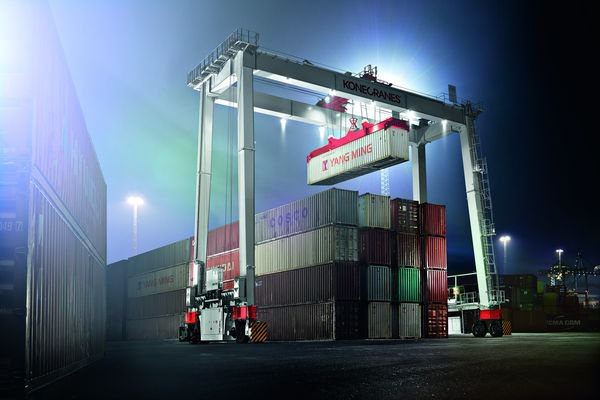 Konecranes' new BOXHUNTER will interest container terminal operators in different markets.© Konecranes