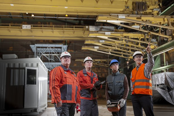<p>Konecranes professionals are skilled and experienced in modernizations, large and small. © Konecranes</p>