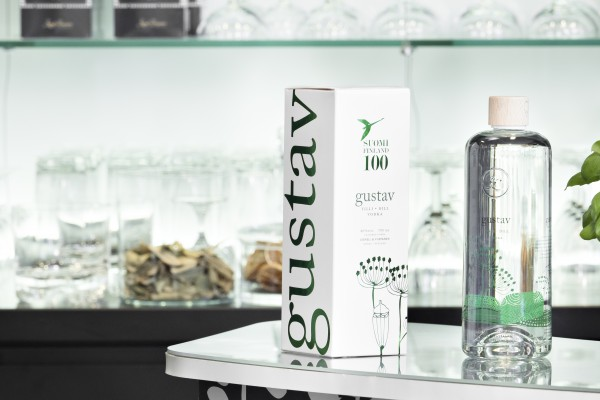 <p><strong>Ready for the feast.</strong> The great looking, but very heavy bottle of the winning Gustav Dill vodka is packed in an equally great looking, light and very strong box made from 800 mic 450 psm folding boxboard by Kotkamills.© Kotkamills</p>