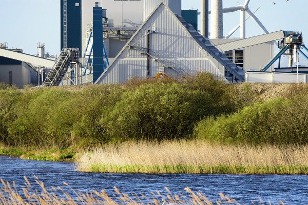 <p><strong>Caption:</strong> Iggesund Paperboard in Workington invested £108 m in a 150 MW biomass boiler. The targeted Charging Review might increase their annual cost with £ 5000 per employee.</p>
