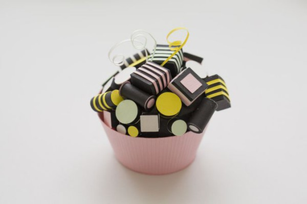 <p> Dolcelicious Paper Cupcake by paper artist Diana Beltran Herrera</p>